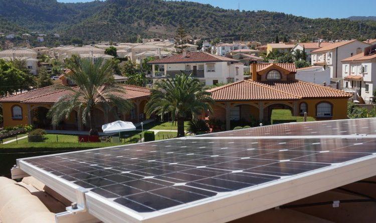 Panel fotovoltaico con preciosas vistas