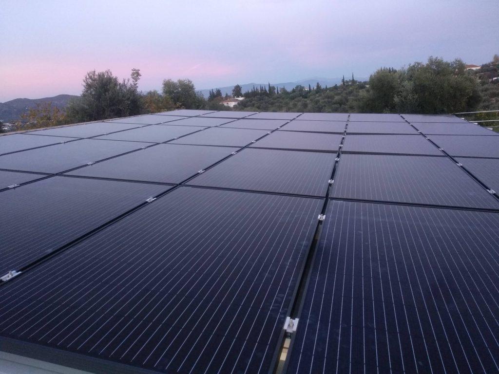 Panales fotovoltaicos sobre techo sandwich